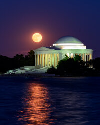 Strawberry Moon and the Jefferson Memorial