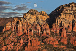 MOONRISE AT SUNSET IN SEDONA